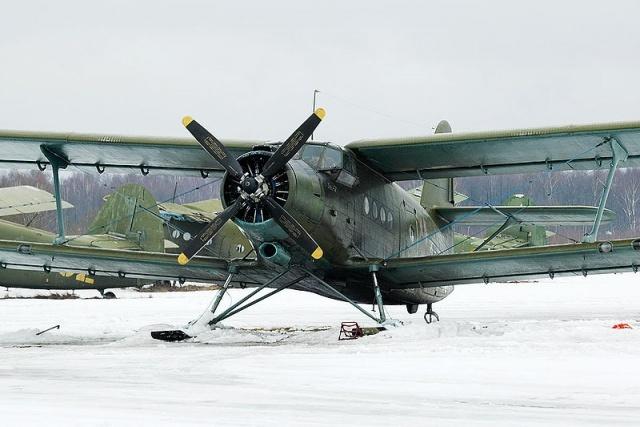 800px-An-2_on_skis.jpg
