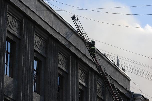 пожар в Университете технологии и дизайна: Фото