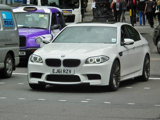 BMW M5: Фото