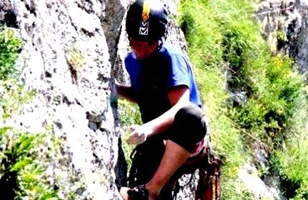 Тело разбившегося чемпиона России по альпинизму доставили в Красноярск