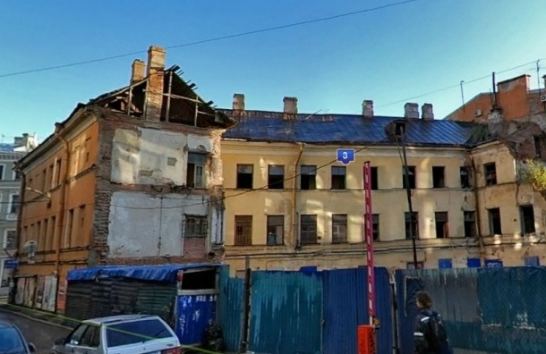 Начался снос Дома Рогова, - очевидцы