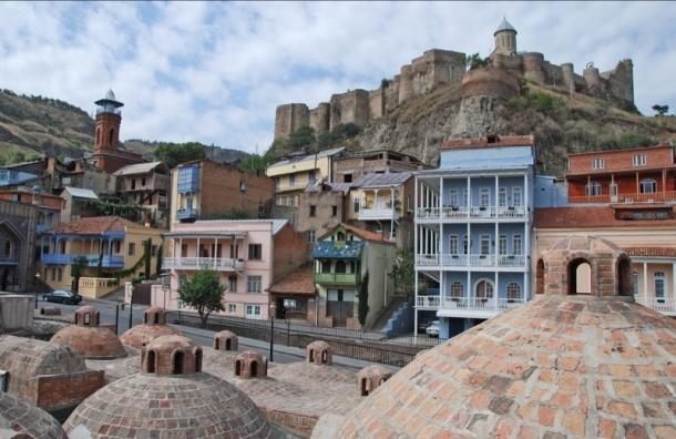Тбилиси полностью обесточен: в домах нет света, встало метро
