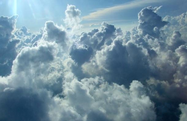 Петербург окутают облака, но дождей 2 августа не будет