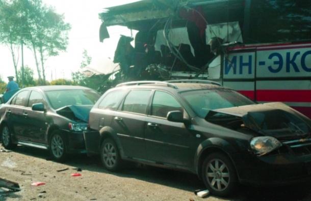 ДТП с автобусом в Тверской области: девять ранены, один погиб