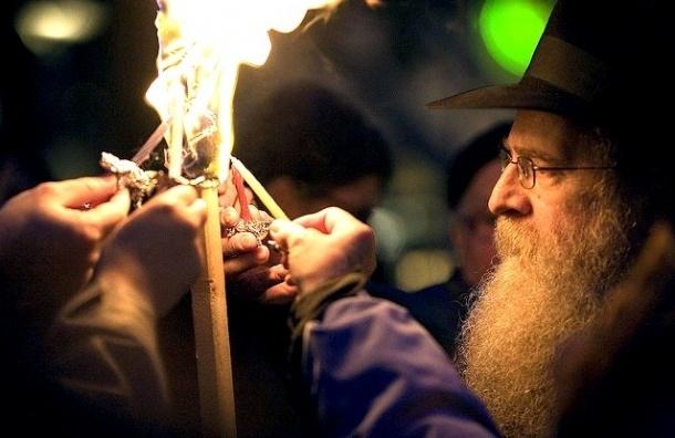 По Петербургу проедет синагога на колесах под названием «Мицва-мобиль»