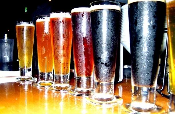 Смольный закупает сотни литров хорошего пива для дорогих гостей