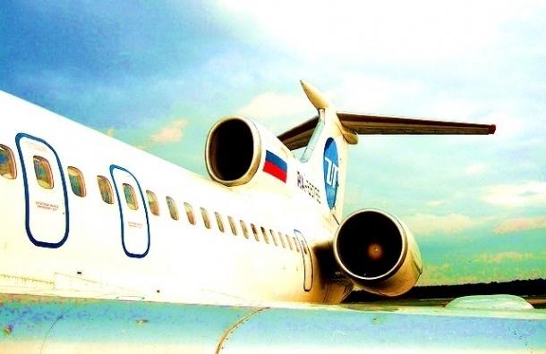 Петербуржцы не могут вылететь домой из Сочи: в самолете ищут бомбу
