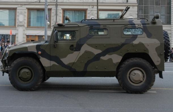 Пьяные десантники на броневике устроили три ДТП в центре Москвы
