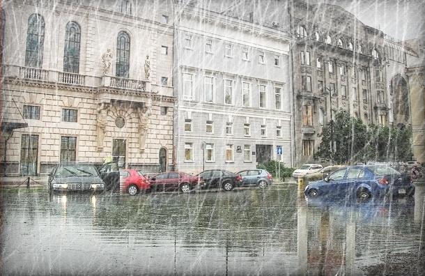Петербург затопило из-за небывалых осадков