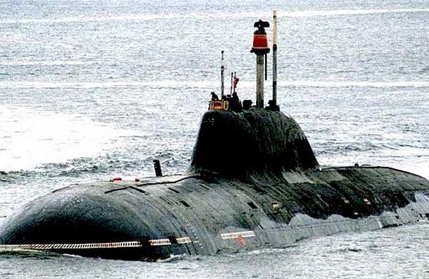 Российская атомная подлодка внезапно всплыла у побережья США