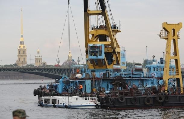 В Петербурге затонул катер с пассажирами: как это было