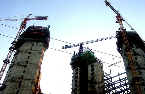 Каждое десятое здание в Петербурге строится незаконно