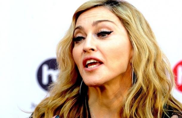 Геи устроят флешмоб в поддержку Мадонны на ее концерте в Петербурге