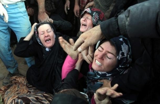 Землетрясение в Иране: жертв все больше