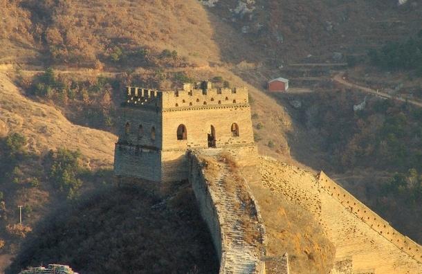 Ливневые дожди обрушили участок Великой Китайской стены