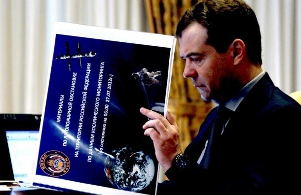 Медведев больше не простит разгильдяйства конструкторам российских спутников