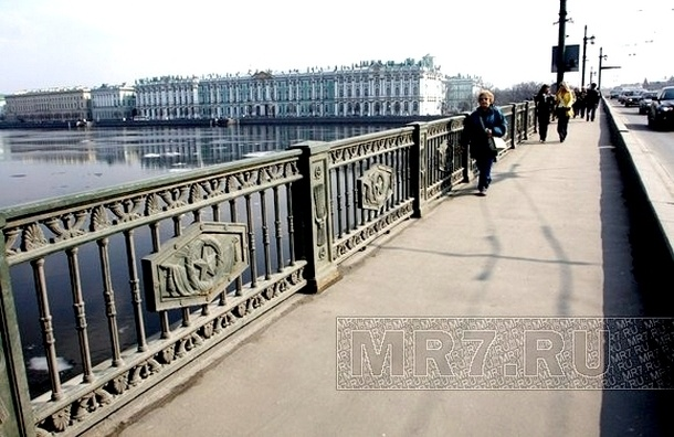 Петербург потратит 2,689 млрд на реконструкцию Дворцового моста