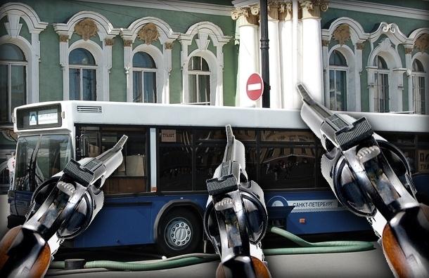 В Петербурге обстреливают автобусы: кто и зачем?