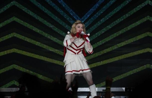 Полиция Петербурга проверяет концерт Мадонны на пропаганду гомосексуализма