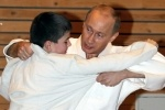 Владимир Путин продолжает выходить на татами
