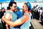 День ВДВ 2012 в Петербурге: 2 тысячи человек промаршировали по Миллионной (фото, видео)