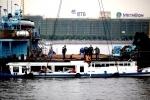 На Неве затонул катер: виноват капитан, поздно заметивший теплоход (фото)