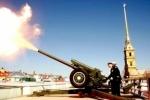 Пятимиллионного петербуржца будут встречать стрельбой