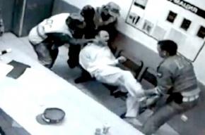 Полиция Петербурга объяснила жестокое избиение водителя гаишником, выложенное на Youtube