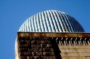 С купола Соборной мечети сняли шестерых парней и девушку