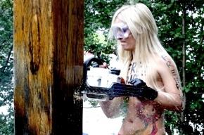 FEMEN будут пилить православные кресты в России
