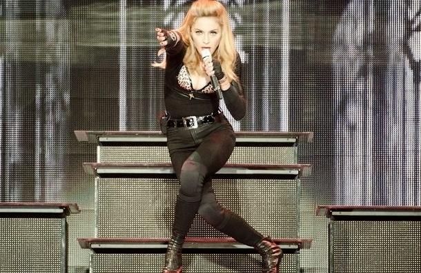 Милонов не решился смотреть на рейтузы Мадонны: слишком неприлично
