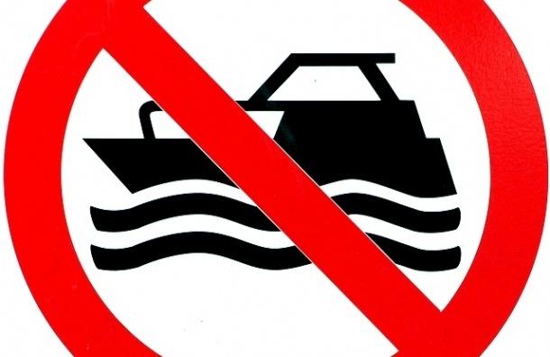 Ночные прогулки на катерах по Неве могут запретить