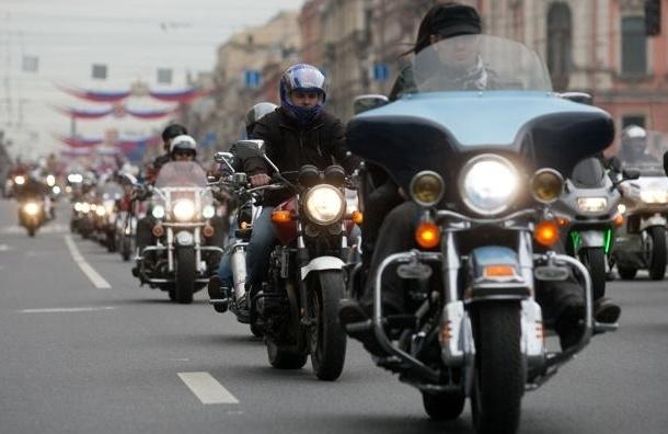 Голые байкерши на Невском нарушили закон о митингах