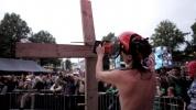 Фоторепортаж: «Femen Голландия Кресты крестоповал (2)»