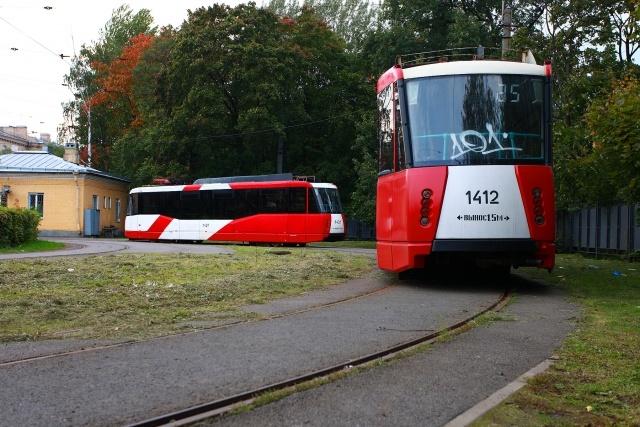 «Забытые» трамваи на кольце «Карбюраторный завод»: Фото