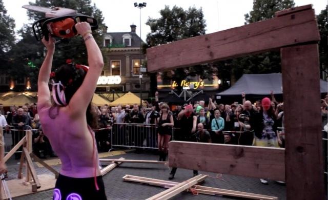 Femen Голландия Кресты крестоповал: Фото