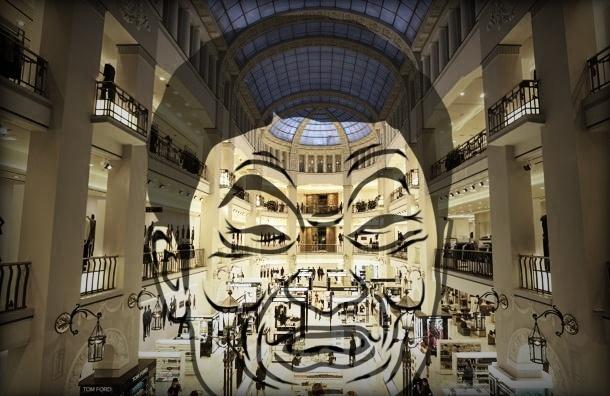 Новый ДЛТ изнутри: множество продавцов охотится за редкими покупателями