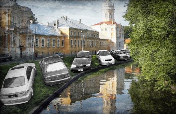 Одно машиноместо на семь автомобилей, или как быстро исчезнут газоны в Петербурге