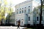 Военно-медицинскую академию не выгонят из центра Петербурга, пообещал Путин