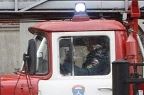 В ХМАО горит нефтяной завод, есть погибшие