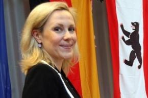 Беттина Вульф, жена экс-президента Германии, судится с Google из-за проституции