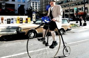 Смольный запретил винтажный велопробег в Петербурге