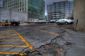В 2013 году в Петербурге появятся платные парковки