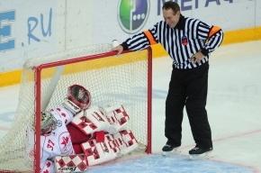 Сборная СССР по хоккею разгромила сборную Канады (смотреть)