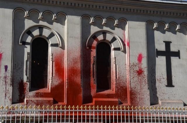 В Женеве осквернена русская церковь: Фото