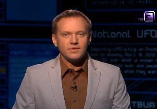 Телеведущий Иван Коновальцев, похожий на Навального: Фото