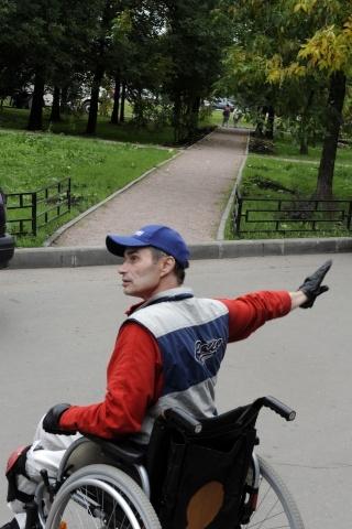 Колясочник Сергей Поюнов : Фото