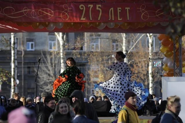 Васильевский остров отмечает день рождения: Фото