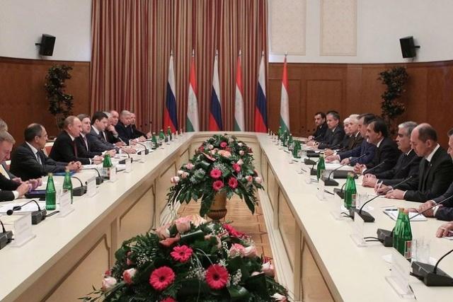 Путин в Таждикистане 5 октября 2012: Фото