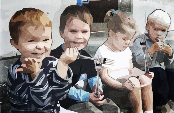 Мать четырех маленьких детей оставила их без еды на две недели